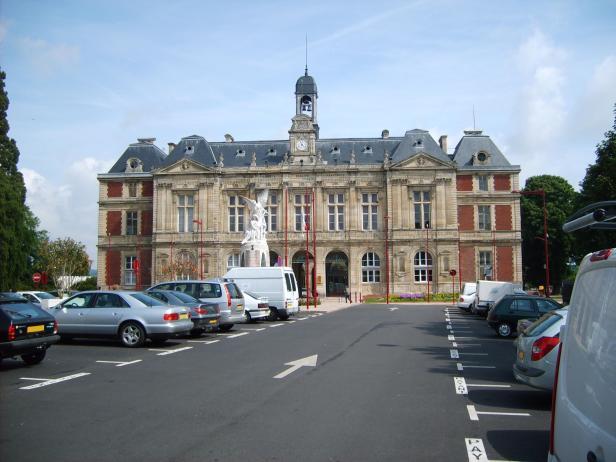 Elbeuf_Mairie_by_N_Kasp